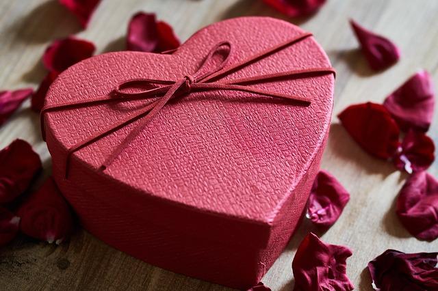 Традиционные подарки на 4 года свадьбы