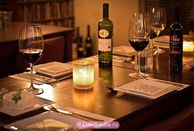 Романтический ужин в уединенном месте
