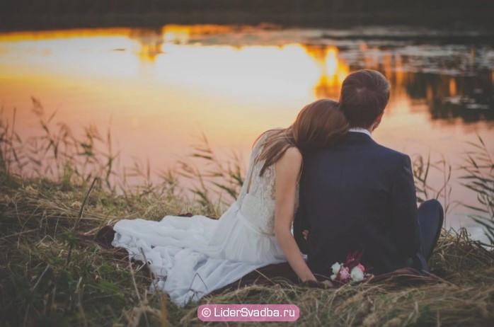 Обычно супруги проводят годовщину свадьбы наедине друг с другом