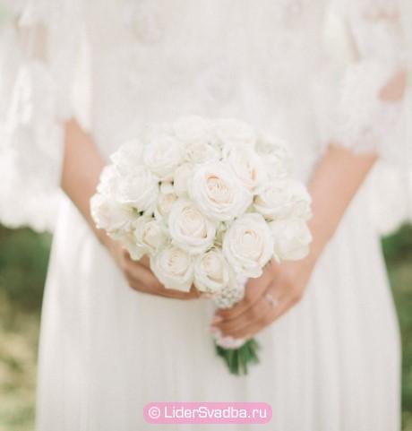 Общих рекомендаций по выбору свадебных цветов на эту годовщину нет