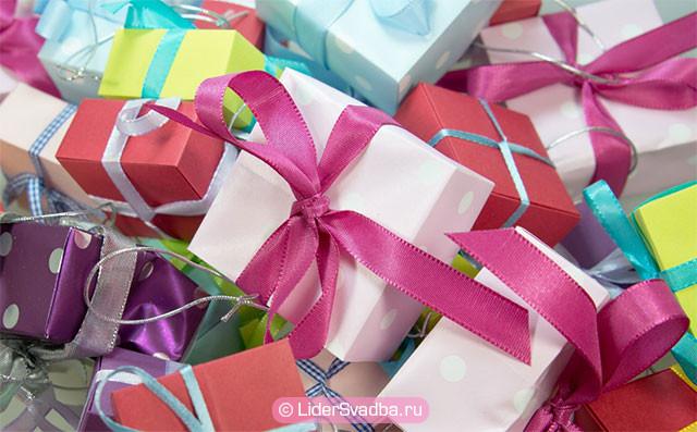 Большой список подарков на Рубиновую свадьбу