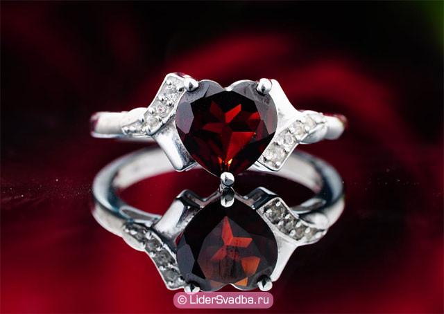 Рубин считается одним из самых прочных камней