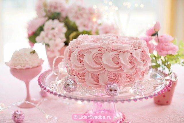 Необходимо учесть наличие торжественного торта