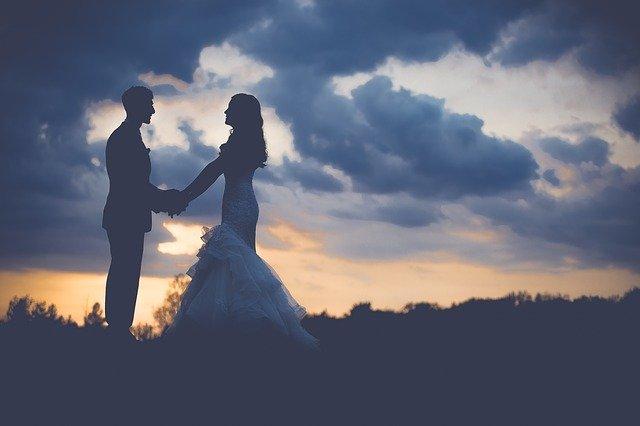 Как отметить деревянную свадьбу?