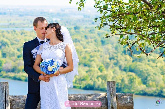 10 лет отмечается в стиле самой первой свадьбы