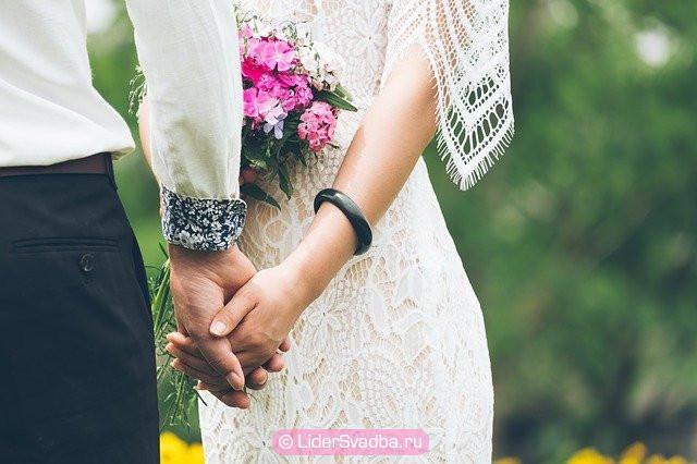 44-летняя годовщина свадьбы - важная дата в истории отношений сложившейся семьи