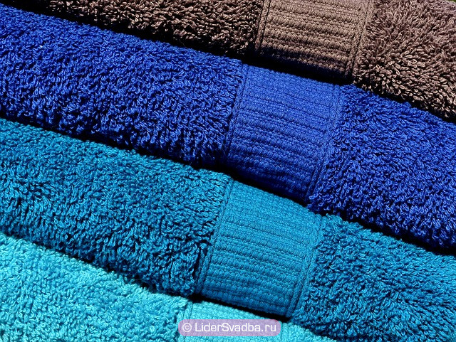 Комплект полотенец всегда пригодится любой паре